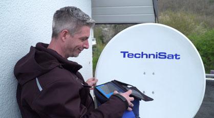 Satellitenanlage montieren und gebrauchsfertig einrichten